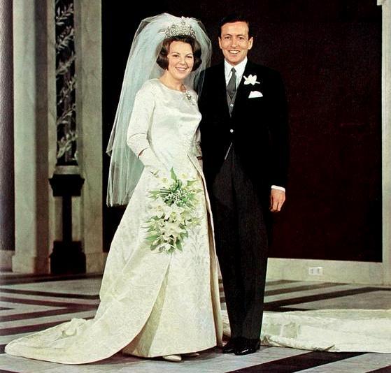robe mariée en brocart de princesse Beatrix