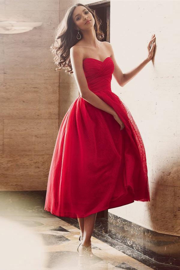 robe mi-longue rouge évasée bustier coeur froncée simple