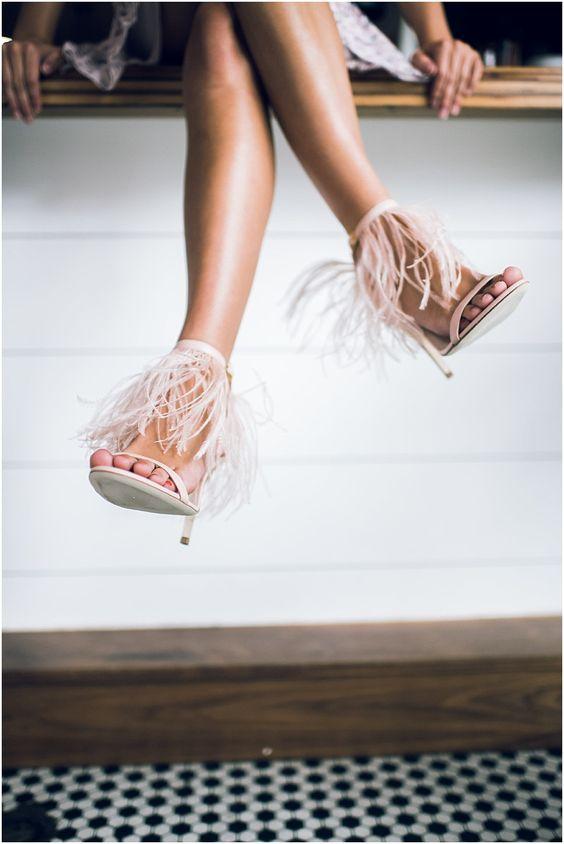 sandales mariée avec plumes talon haut